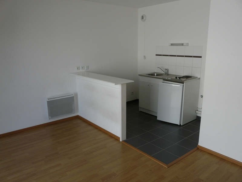 Rental apartment St omer 434€ CC - Picture 3