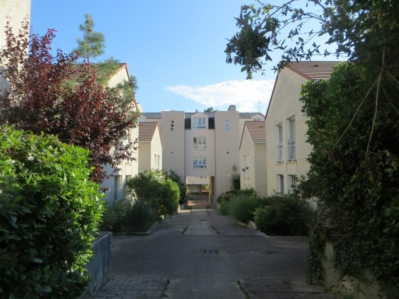 Sale apartment Clamart 195 000€ - Picture 1