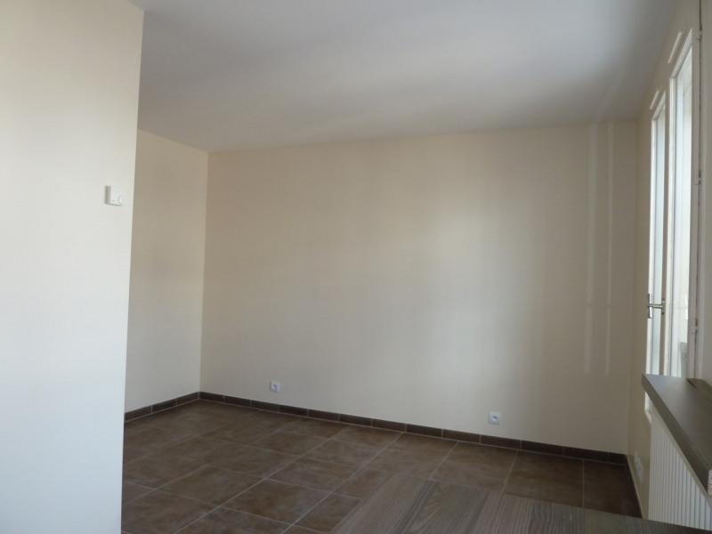 Rental apartment Combs-la-ville 605€ CC - Picture 2