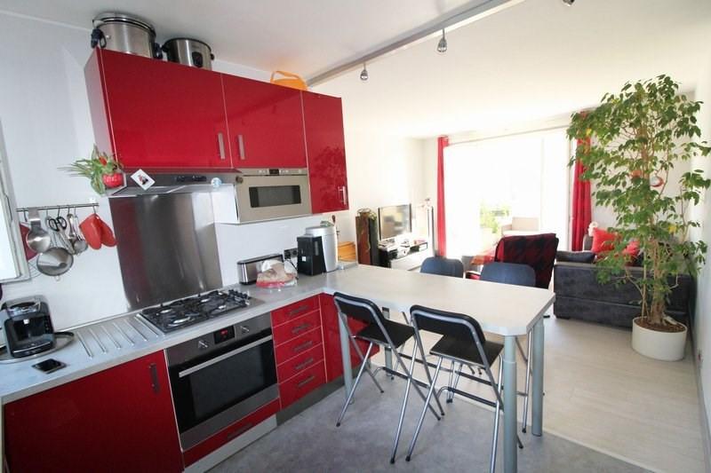 Sale apartment Maurepas 223500€ - Picture 2