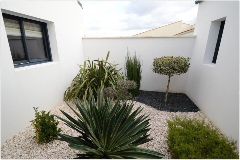 Deluxe sale house / villa St rogatien 640000€ - Picture 4