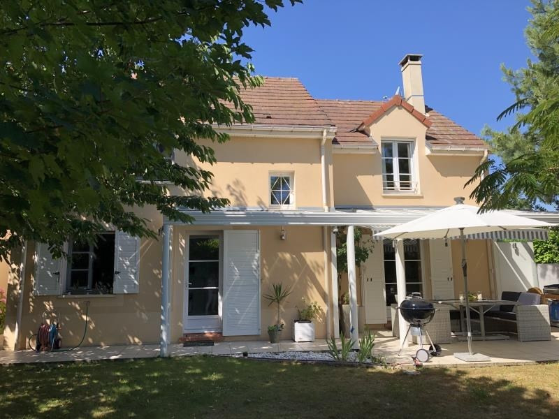 Sale house / villa Orgeval 630 000€ - Picture 1