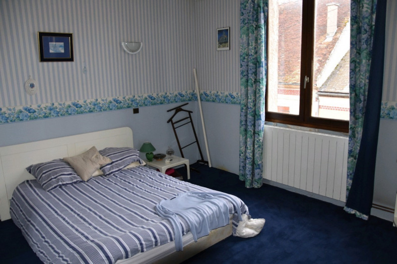 Sale house / villa Neuilly en thelle 292000€ - Picture 4