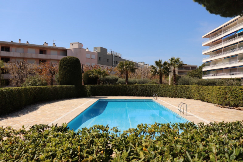Rental apartment Cavalaire-sur-mer 1 858€ CC - Picture 2