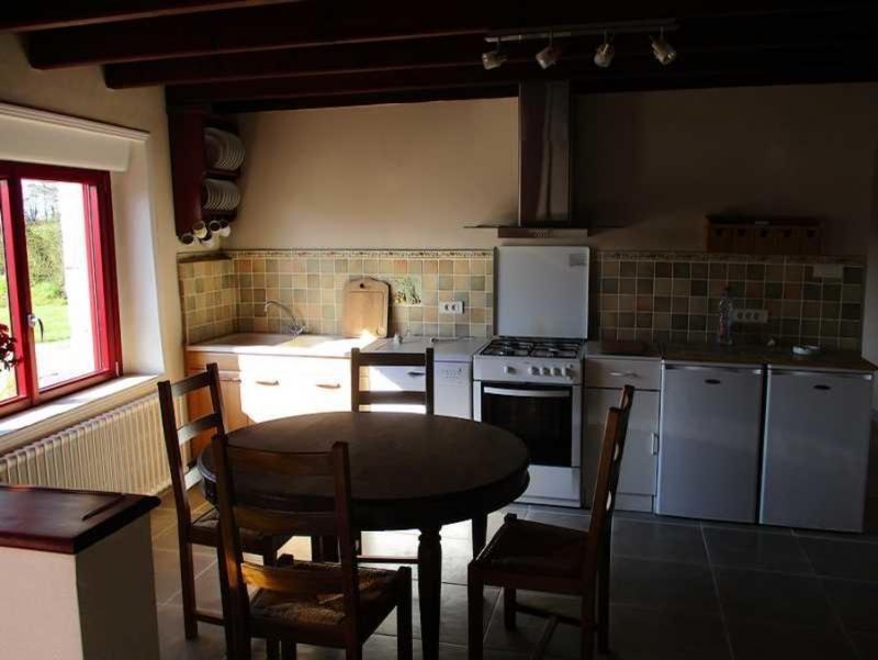 Sale house / villa Peumerit quintin 254400€ - Picture 3
