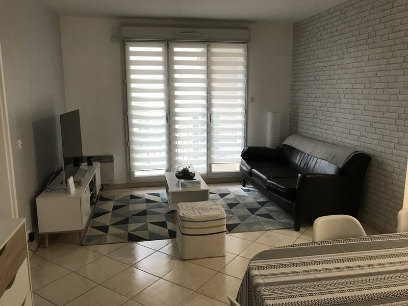 Rental apartment Claye souilly 960€ CC - Picture 10