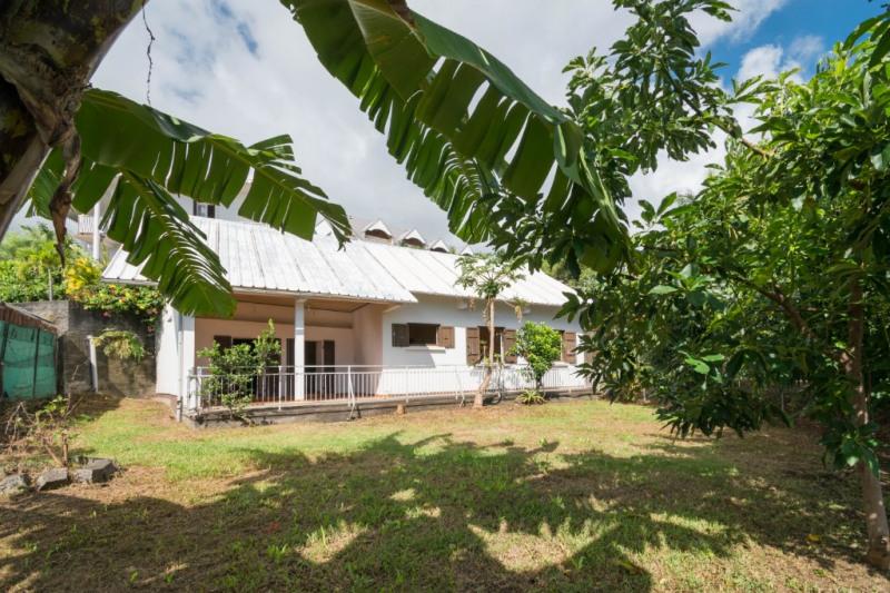 Sale house / villa Saint denis 310000€ - Picture 1