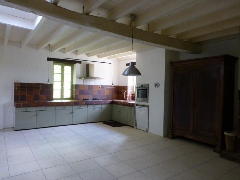 Sale house / villa St germain de belves 397500€ - Picture 6