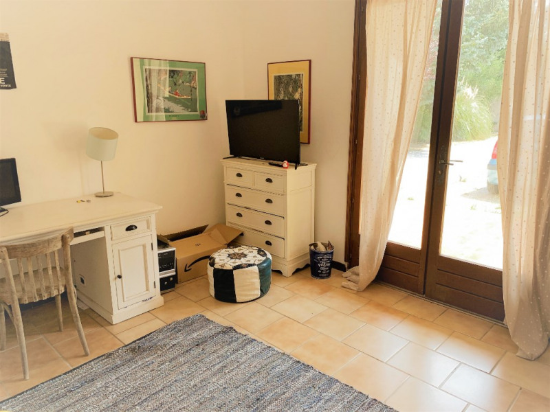 Rental apartment Aix en provence 1 022€ CC - Picture 3