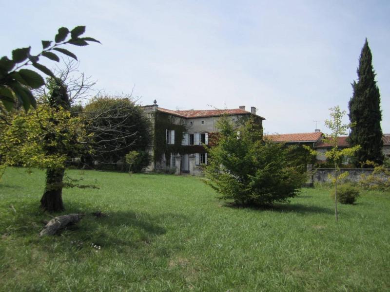 Sale house / villa Barbezieux-saint-hilaire 416000€ - Picture 2