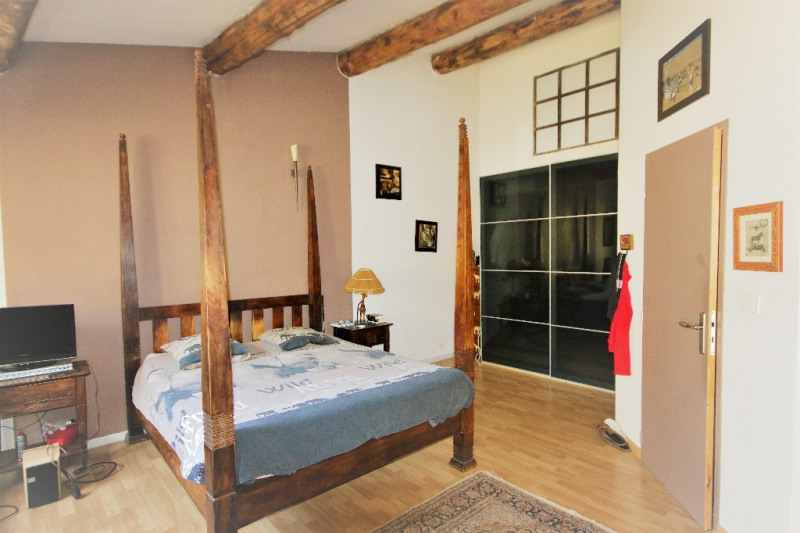 Sale house / villa Meyrargues 346000€ - Picture 7