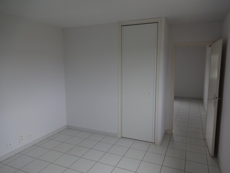 Rental empty room/storage Cornebarrieu 1 050€ CC - Picture 5