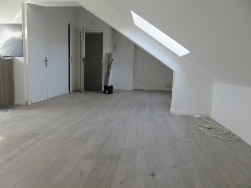 Location appartement Coudekerque branche 370€ CC - Photo 2
