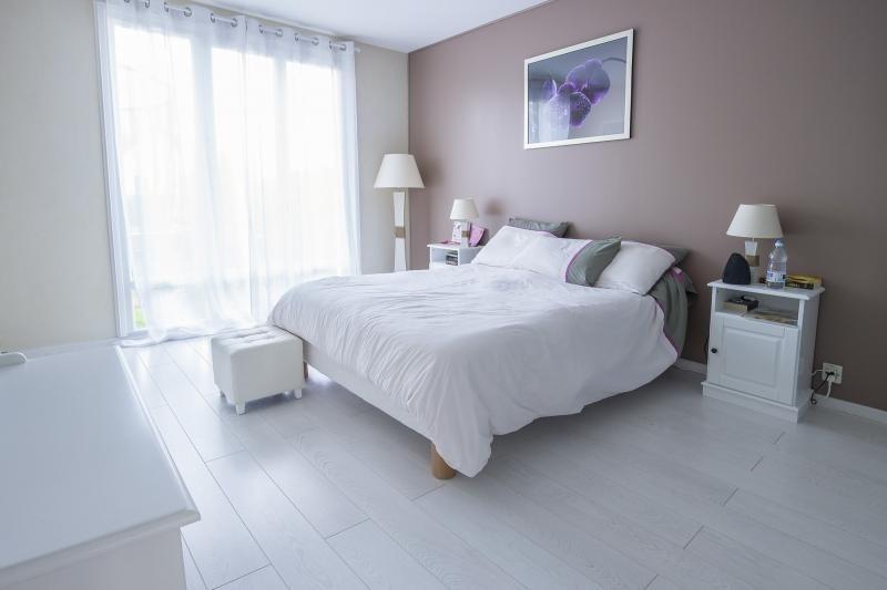 Sale house / villa Plaisir 469165€ - Picture 4