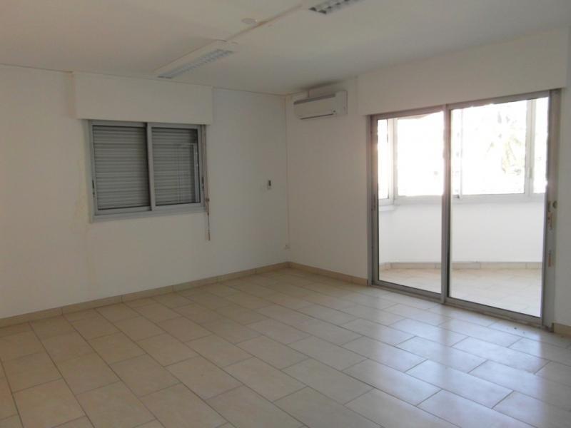 Sale apartment St denis 187250€ - Picture 2