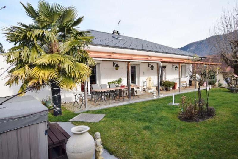 Deluxe sale house / villa Seynod 720000€ - Picture 2