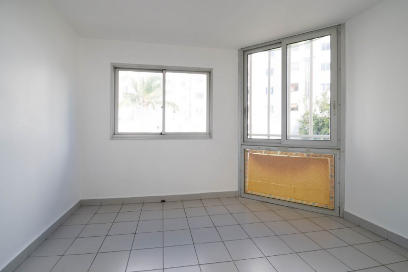 Rental apartment Saint denis 850€ CC - Picture 4