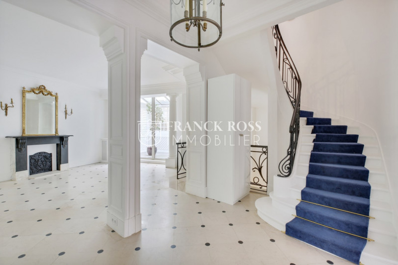 Rental apartment Paris 17ème 7000€ CC - Picture 1
