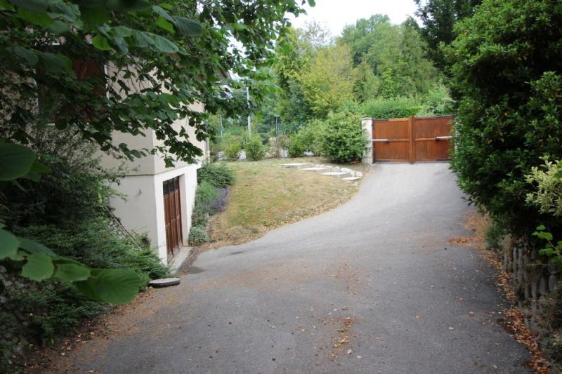 Deluxe sale house / villa Ornex 620000€ - Picture 2