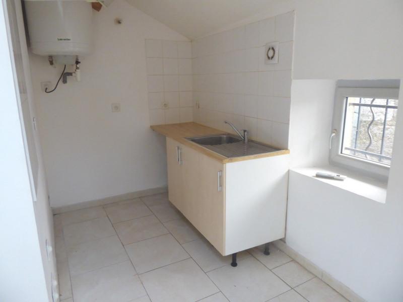 Location appartement Saint-germain 343€ CC - Photo 4