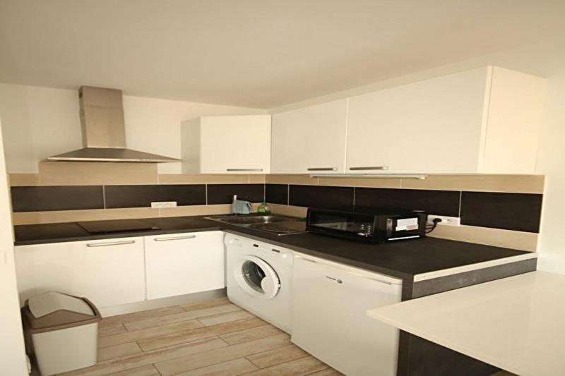 Location appartement Juan-les-pins 575€ CC - Photo 2