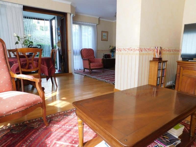 Sale apartment Jouy en josas 380000€ - Picture 1