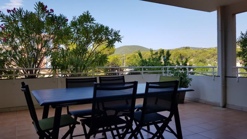 Location vacances appartement Cavalaire sur mer 650€ - Photo 1