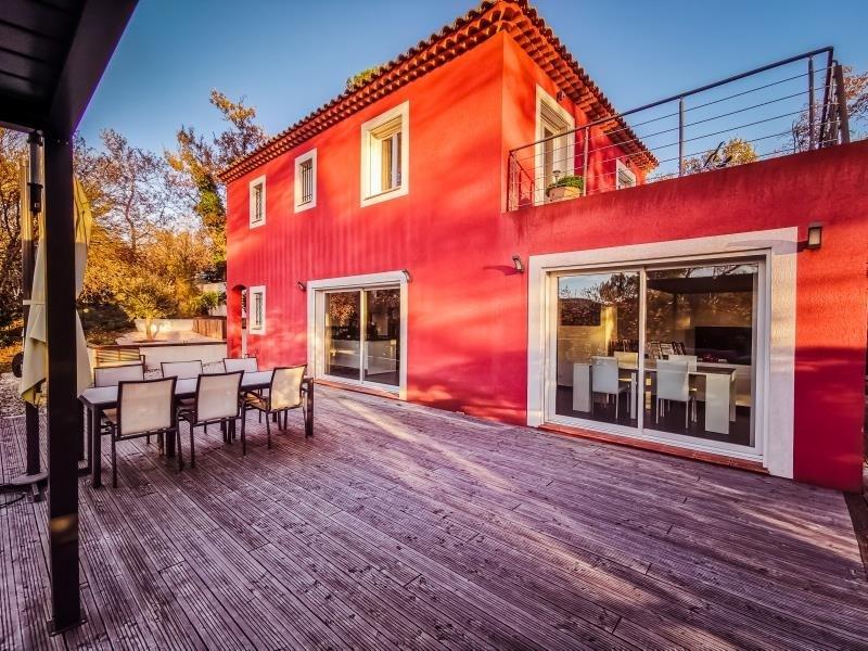 Sale house / villa Neoules 546000€ - Picture 1