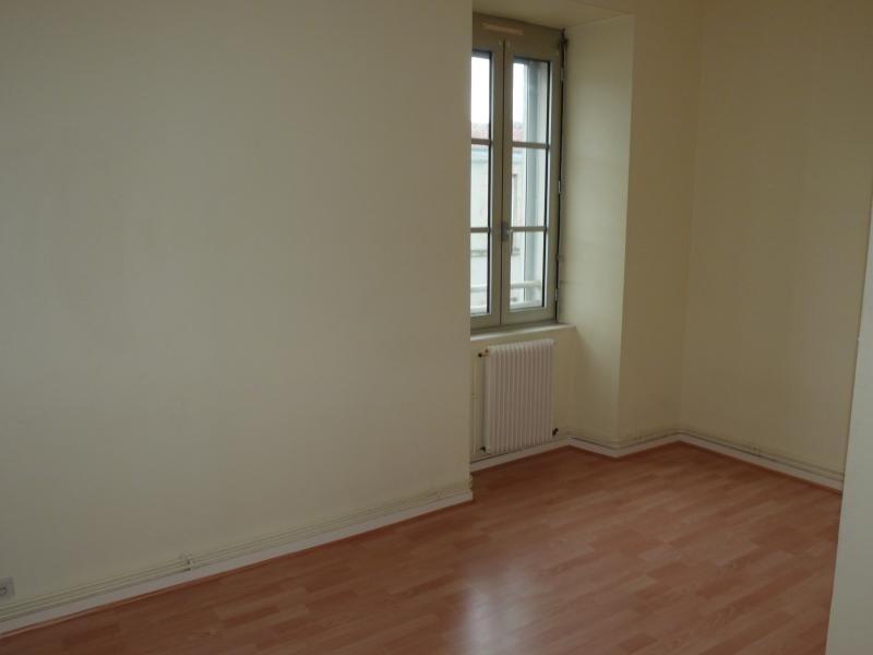 Rental apartment La roche sur yon 410€ CC - Picture 2