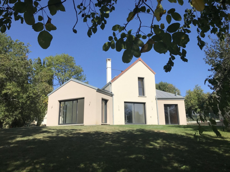 Sale house / villa Morainvilliers 695 000€ - Picture 1