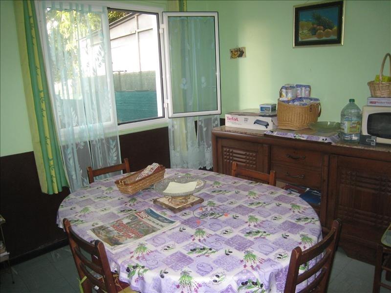 Sale house / villa Le port 254400€ - Picture 5