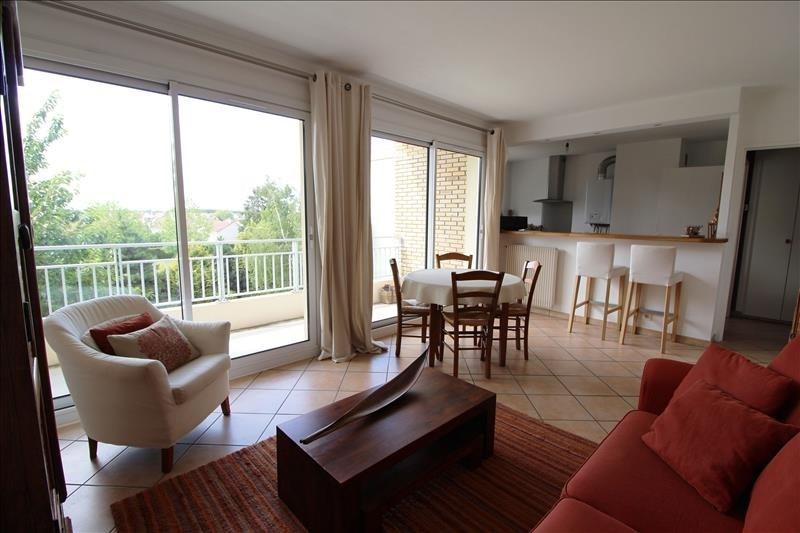 Sale apartment Maurepas 169500€ - Picture 2