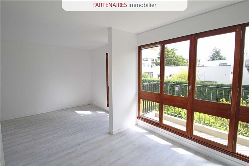 Rental apartment Le chesnay 667€ CC - Picture 2