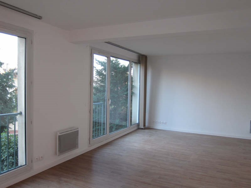 Rental apartment St germain en laye 939€ CC - Picture 1