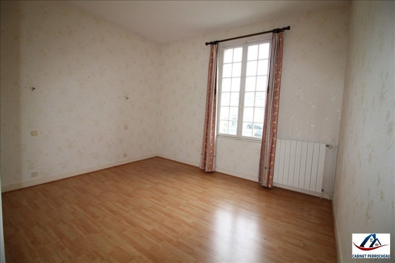 Sale house / villa La chartre sur le loir 94350€ - Picture 6