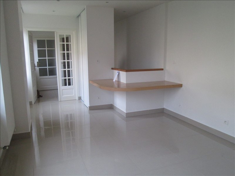 Rental apartment Versailles 1240€ CC - Picture 1