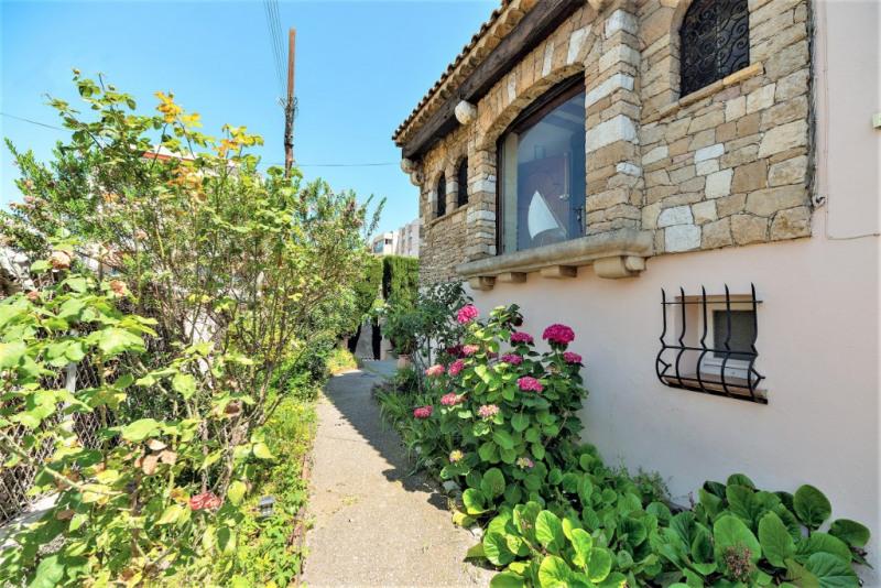 Deluxe sale house / villa Saint laurent du var 884000€ - Picture 4