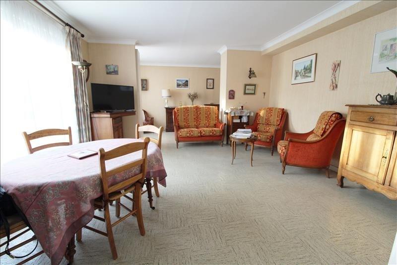 Sale house / villa Maurepas 303000€ - Picture 3