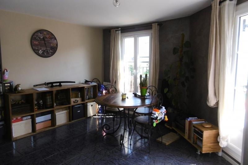 Sale apartment Noisy le grand 208000€ - Picture 2