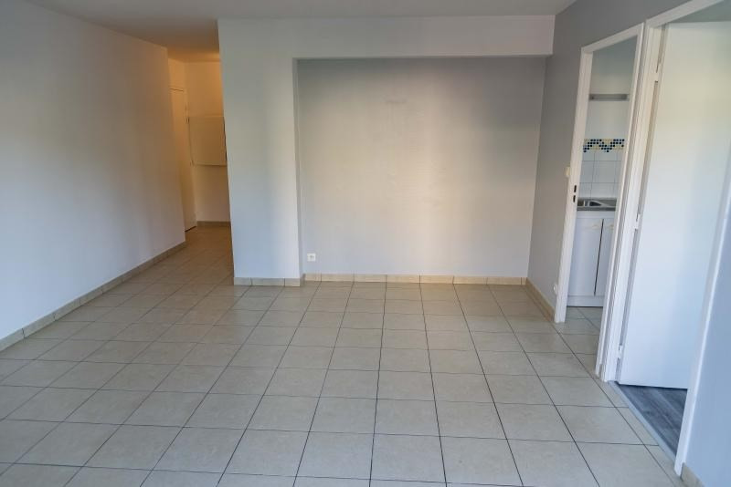 Rental apartment Arbent 490€ CC - Picture 3