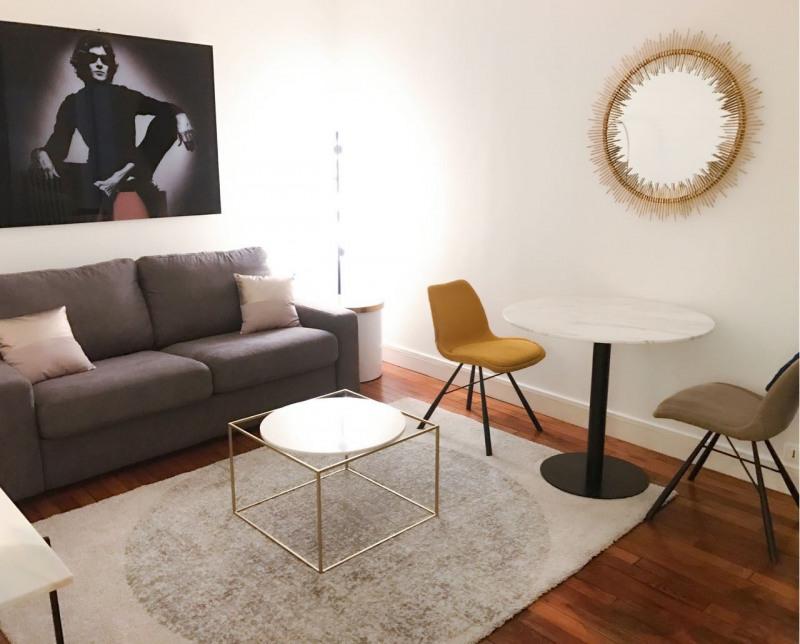 Short-term rental apartment Paris 7ème 1900€ CC - Picture 2