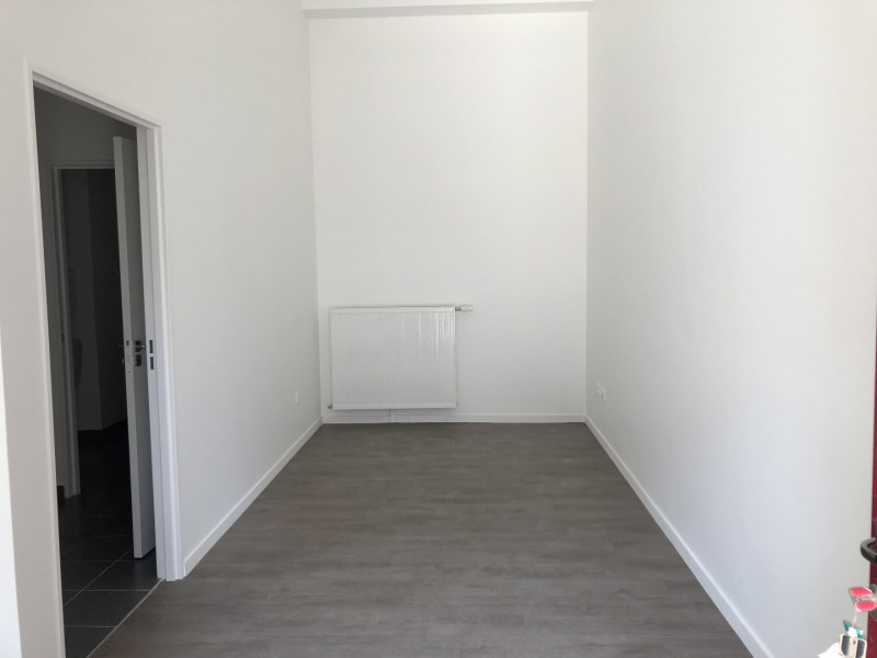 Rental office Montreuil 825€ HT/HC - Picture 4