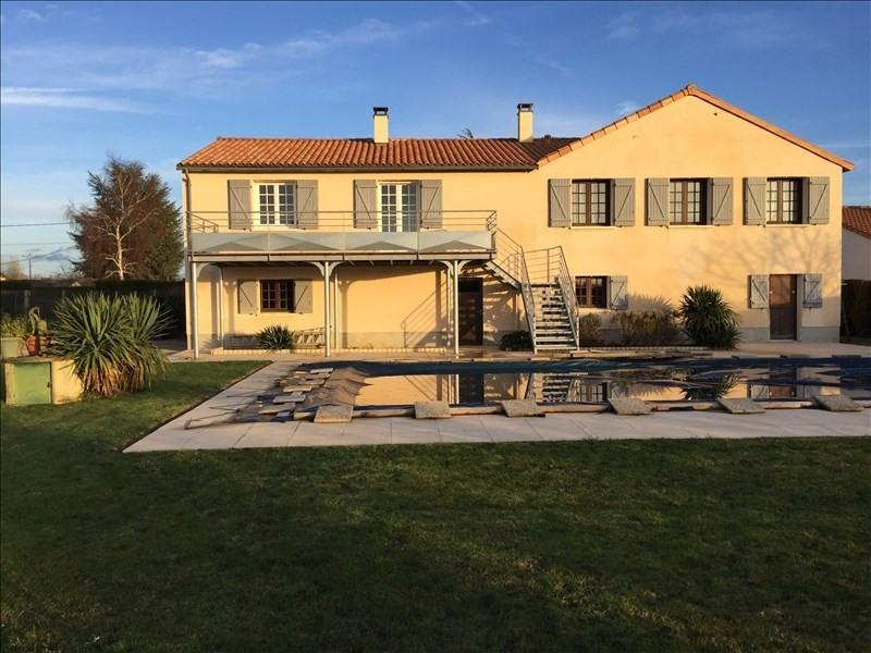 Sale house / villa La villedieu du clain 294000€ - Picture 1