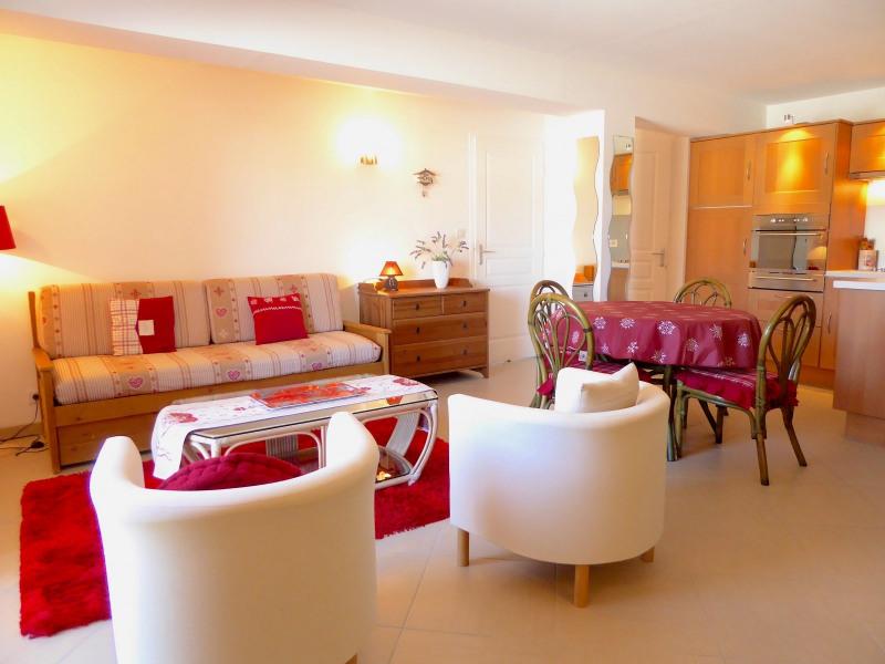 Sale apartment Lajoux 110000€ - Picture 1