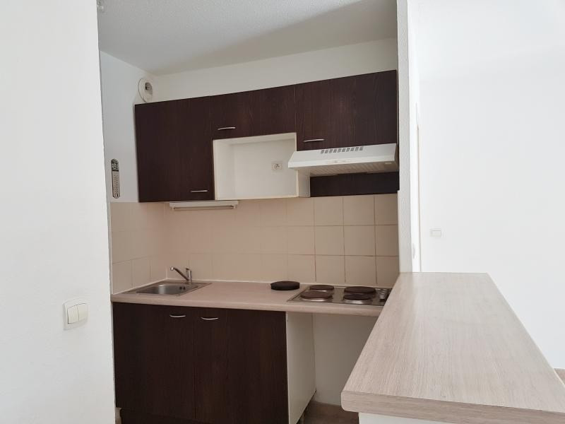 Location appartement 13250 751€ CC - Photo 3
