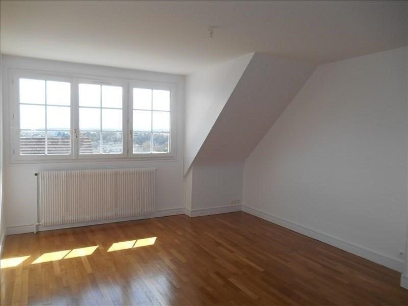 Location appartement Verrieres le buisson 880€ CC - Photo 1