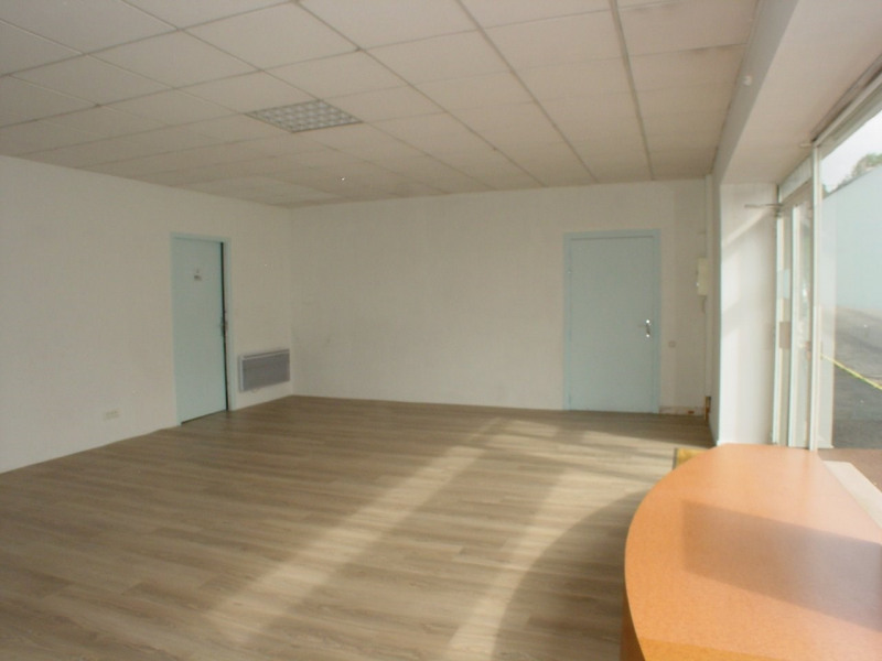 Location local commercial Montfaucon en velay 350€ CC - Photo 5