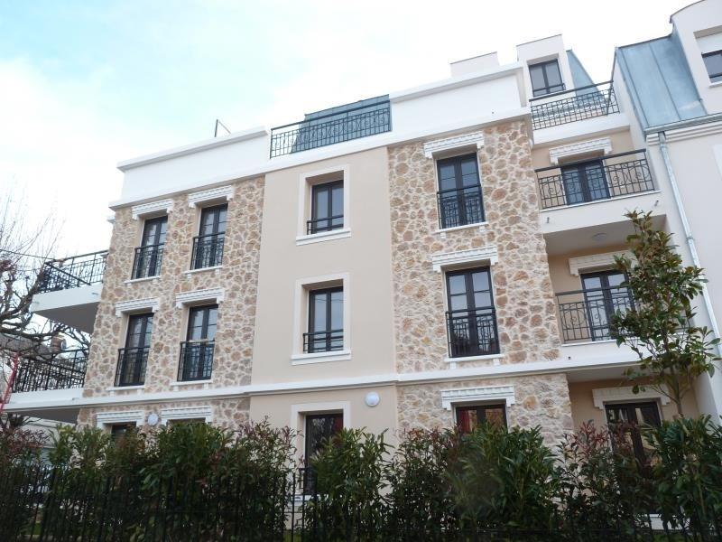 Rental apartment Le raincy 900€ CC - Picture 1