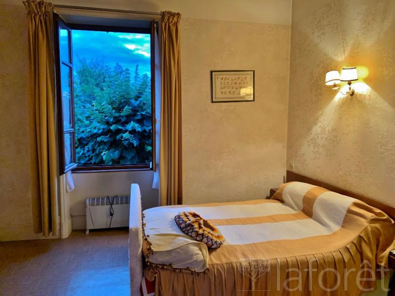 Sale house / villa Bourgoin jallieu 305000€ - Picture 6