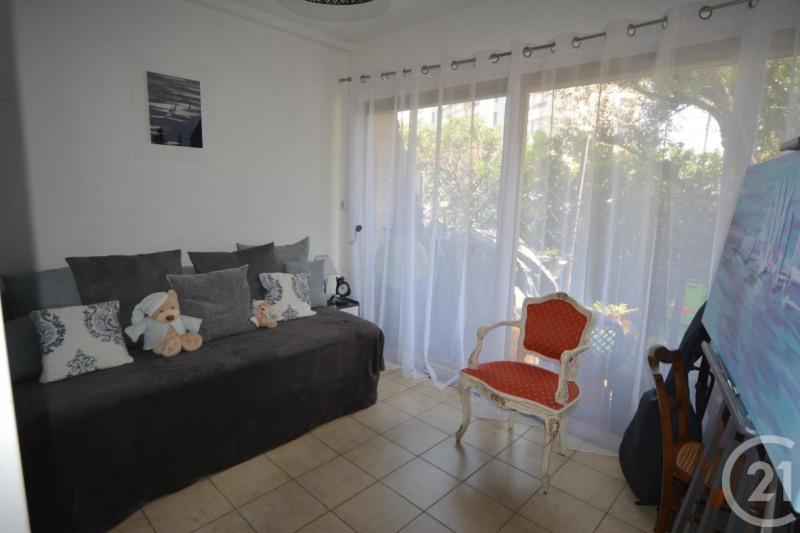 Verkoop  appartement Antibes 397500€ - Foto 6